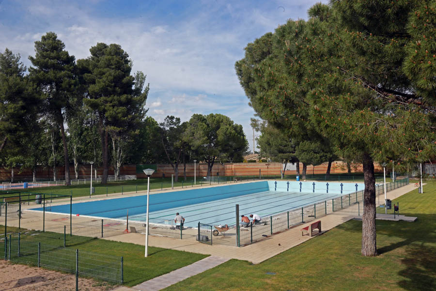 Las piscinas municipales de ciudad real preparan su for Piscina municipal puerto real