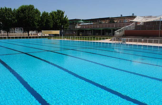 Las piscinas municipales de verano abrir n 22 de junio con for Piscina municipal fuenlabrada 2017