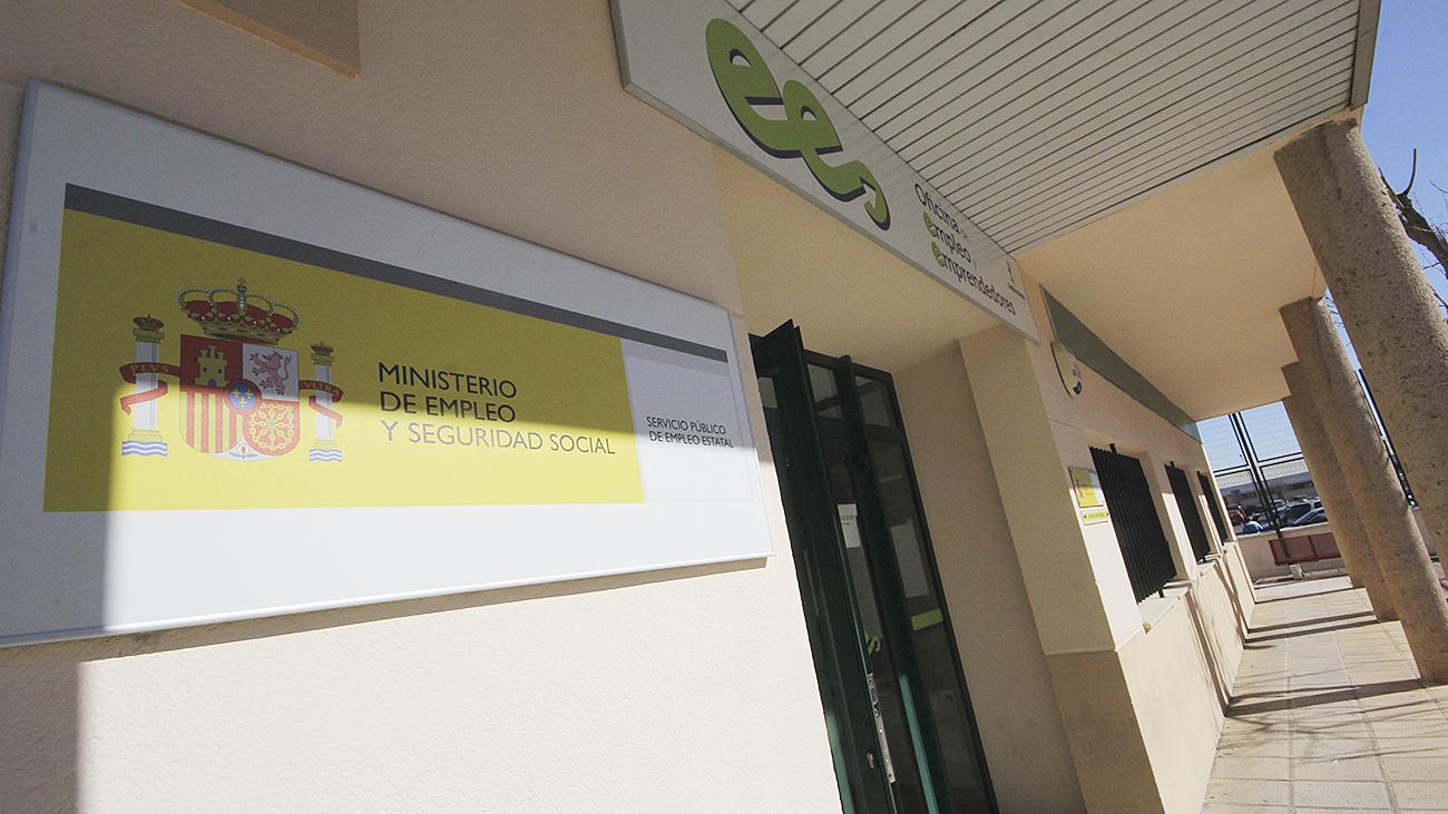 En marzo alcanz el 49 6 con beneficiarios lanza for Oficina paro tarragona