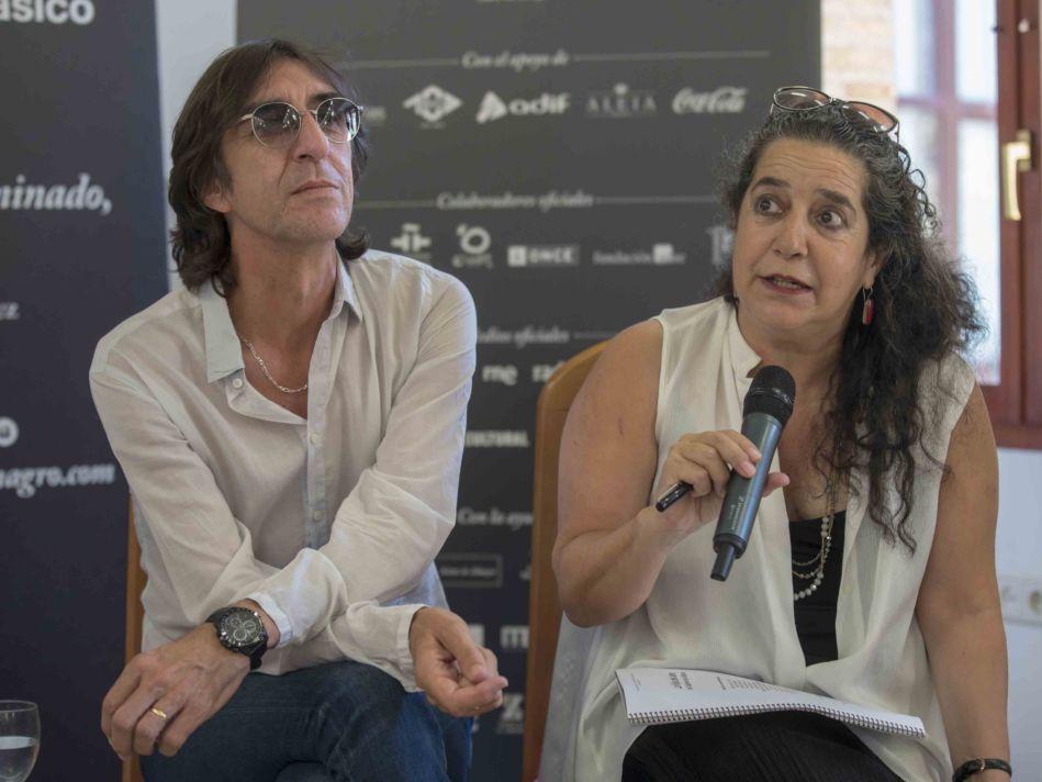 Benjamín Prado, junto a Helena Pimenta, que destacó la extraordinaria propuesta dirigida por Mario Gas / M. Cieza-Festival de Almagro